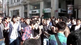 Koma Se Bıra Taksim Meydanını Halaylarla Kapattı..